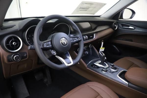 New 2020 Alfa Romeo Stelvio Q4 for sale $49,795 at Alfa Romeo of Greenwich in Greenwich CT 06830 17