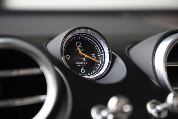 Used 2018 Bentley Bentayga Onyx Edition for sale Call for price at Alfa Romeo of Greenwich in Greenwich CT 06830 22