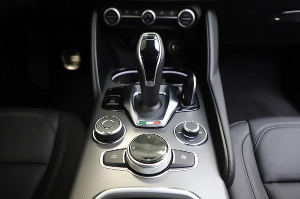 New 2020 Alfa Romeo Giulia Sport Q4 for sale $48,895 at Alfa Romeo of Greenwich in Greenwich CT 06830 20