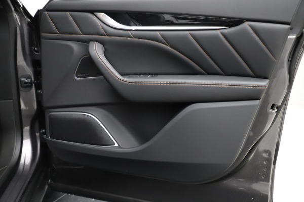 New 2020 Maserati Levante Q4 GranSport for sale Sold at Alfa Romeo of Greenwich in Greenwich CT 06830 24