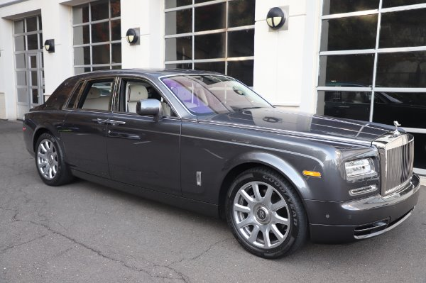 Used 2014 Rolls-Royce Phantom for sale $219,900 at Alfa Romeo of Greenwich in Greenwich CT 06830 13