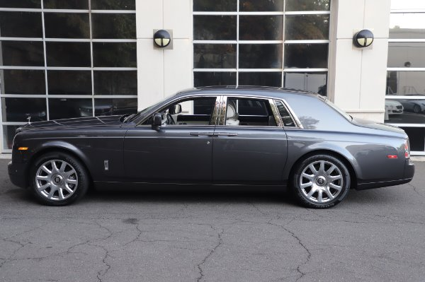 Used 2014 Rolls-Royce Phantom for sale $219,900 at Alfa Romeo of Greenwich in Greenwich CT 06830 8