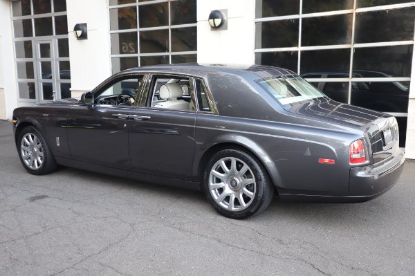 Used 2014 Rolls-Royce Phantom for sale $219,900 at Alfa Romeo of Greenwich in Greenwich CT 06830 9