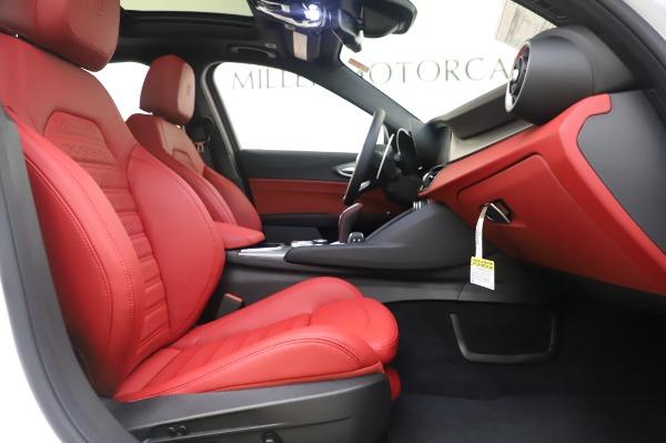 New 2020 Alfa Romeo Giulia Ti Sport Q4 for sale $46,495 at Alfa Romeo of Greenwich in Greenwich CT 06830 23