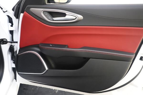 New 2020 Alfa Romeo Giulia Ti Sport Q4 for sale $46,495 at Alfa Romeo of Greenwich in Greenwich CT 06830 25