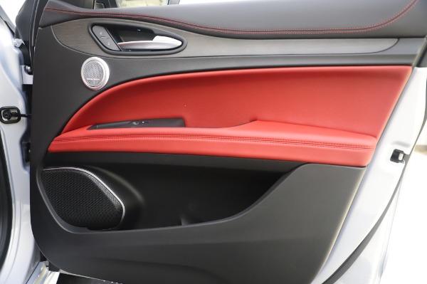 New 2020 Alfa Romeo Stelvio Ti Lusso Q4 for sale $54,145 at Alfa Romeo of Greenwich in Greenwich CT 06830 26