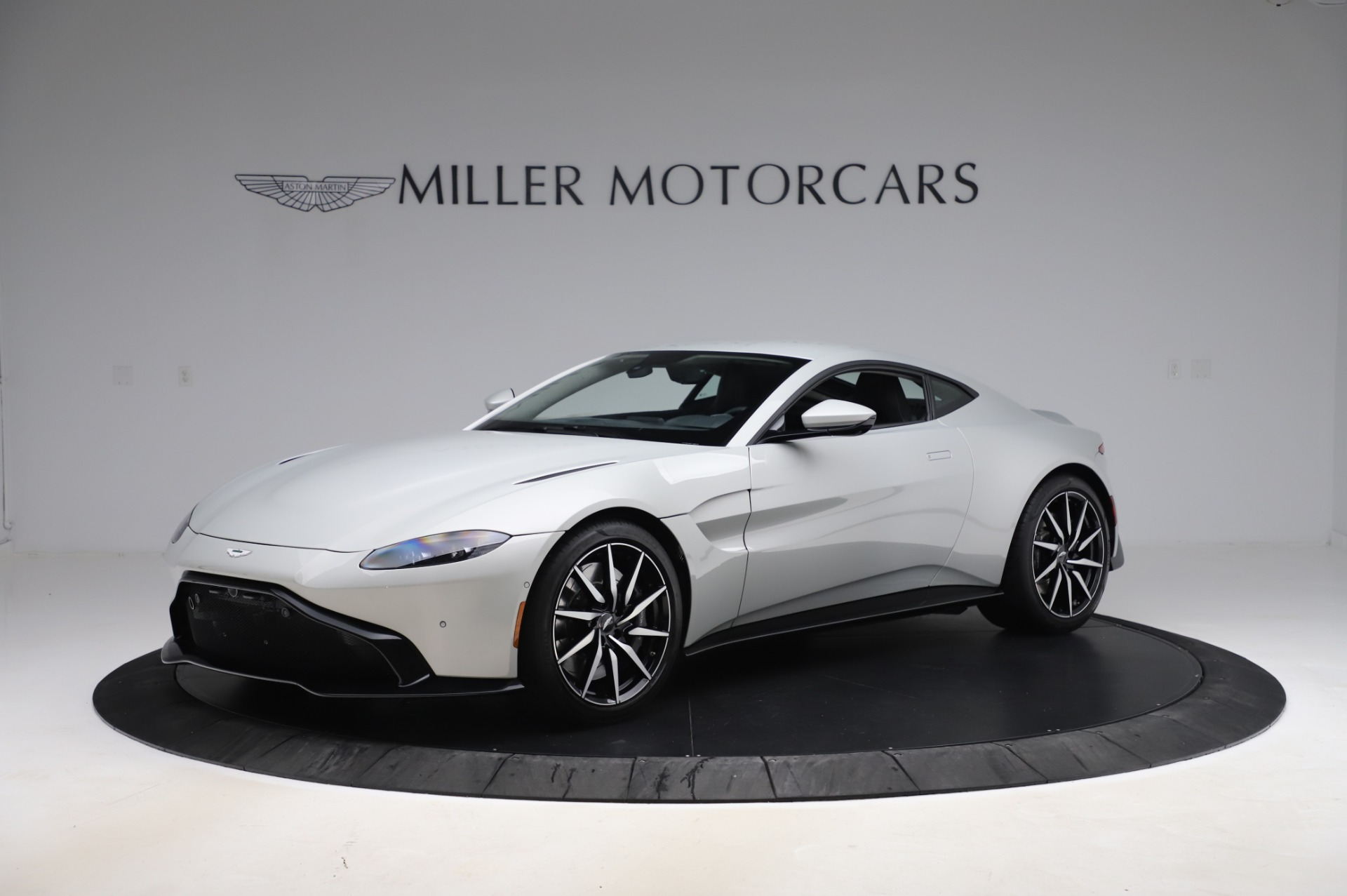 Used 2020 Aston Martin Vantage Coupe for sale $149,800 at Alfa Romeo of Greenwich in Greenwich CT 06830 1