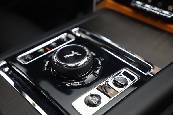 New 2021 Rolls-Royce Cullinan for sale $372,725 at Alfa Romeo of Greenwich in Greenwich CT 06830 27