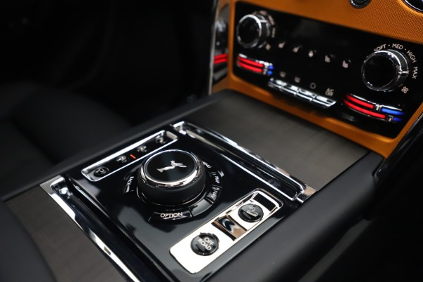 New 2021 Rolls-Royce Cullinan for sale $372,725 at Alfa Romeo of Greenwich in Greenwich CT 06830 28
