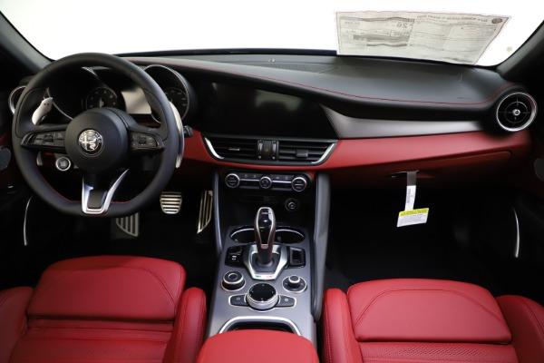 New 2020 Alfa Romeo Giulia Ti Sport Q4 for sale $48,595 at Alfa Romeo of Greenwich in Greenwich CT 06830 16