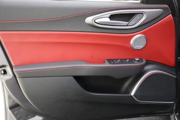 New 2020 Alfa Romeo Giulia Ti Sport Q4 for sale $48,595 at Alfa Romeo of Greenwich in Greenwich CT 06830 17