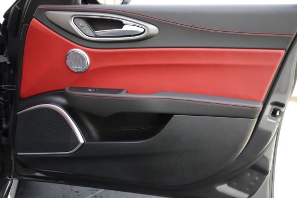 New 2020 Alfa Romeo Giulia Ti Sport Q4 for sale $48,595 at Alfa Romeo of Greenwich in Greenwich CT 06830 25