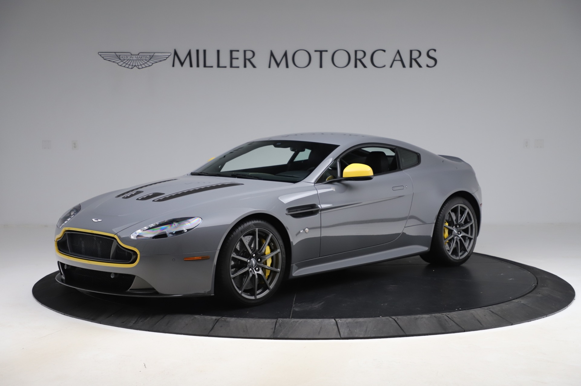 Used 2017 Aston Martin V12 Vantage S for sale $185,900 at Alfa Romeo of Greenwich in Greenwich CT 06830 1