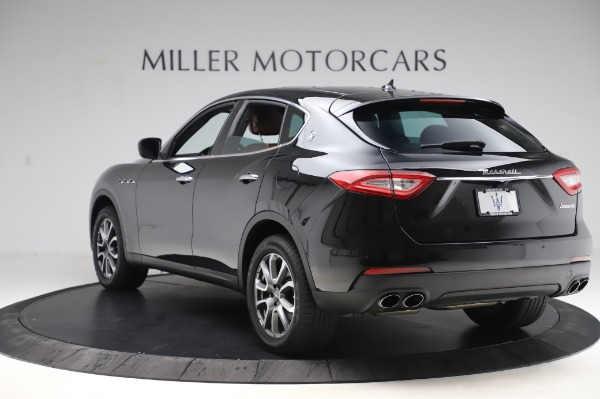 Used 2017 Maserati Levante Q4 for sale $51,900 at Alfa Romeo of Greenwich in Greenwich CT 06830 6