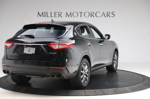Used 2017 Maserati Levante Q4 for sale $51,900 at Alfa Romeo of Greenwich in Greenwich CT 06830 8