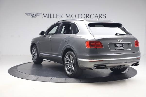 Used 2018 Bentley Bentayga Activity Edition for sale $156,900 at Alfa Romeo of Greenwich in Greenwich CT 06830 5