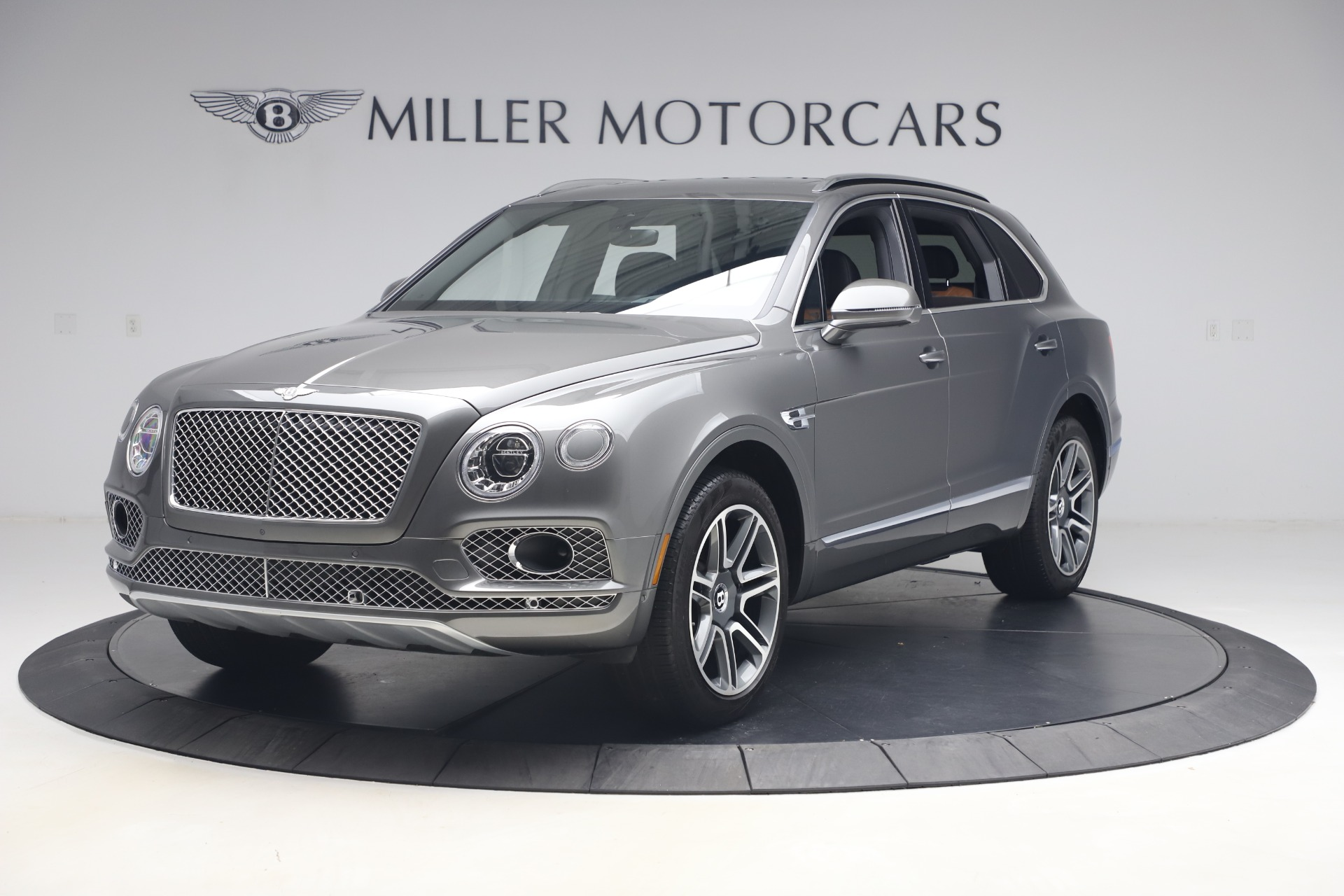Used 2018 Bentley Bentayga Activity Edition for sale $156,900 at Alfa Romeo of Greenwich in Greenwich CT 06830 1