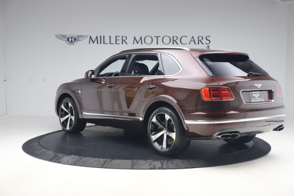 Used 2020 Bentley Bentayga V8 for sale $189,900 at Alfa Romeo of Greenwich in Greenwich CT 06830 5