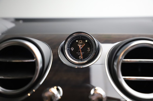 Used 2020 Bentley Bentayga V8 for sale Sold at Alfa Romeo of Greenwich in Greenwich CT 06830 26