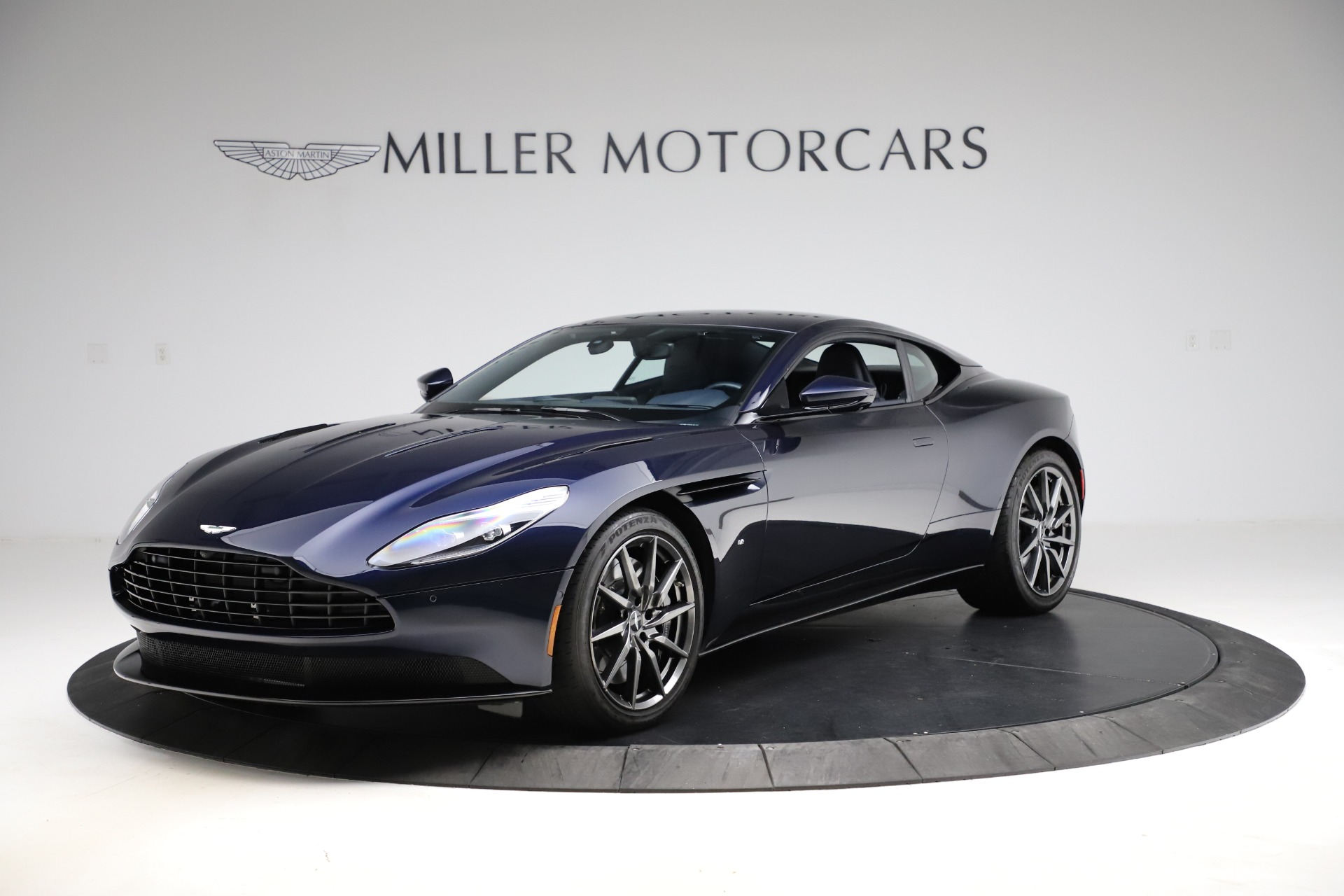 Used 2017 Aston Martin DB11 for sale $159,900 at Alfa Romeo of Greenwich in Greenwich CT 06830 1
