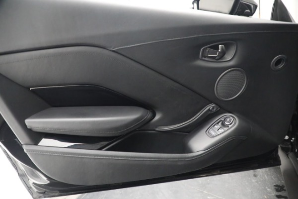 Used 2019 Aston Martin Vantage Coupe for sale $129,900 at Alfa Romeo of Greenwich in Greenwich CT 06830 16