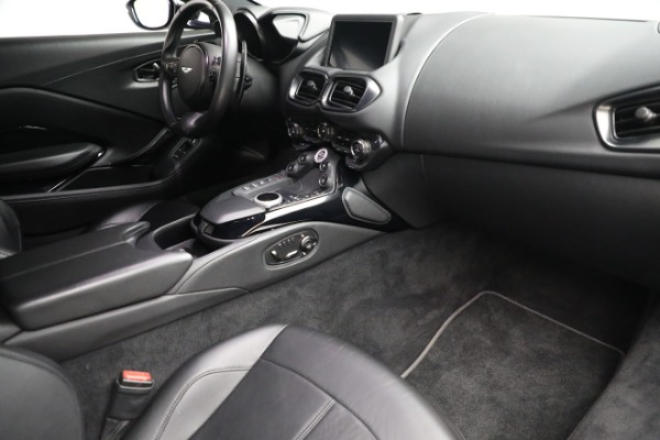 Used 2019 Aston Martin Vantage Coupe for sale $129,900 at Alfa Romeo of Greenwich in Greenwich CT 06830 18