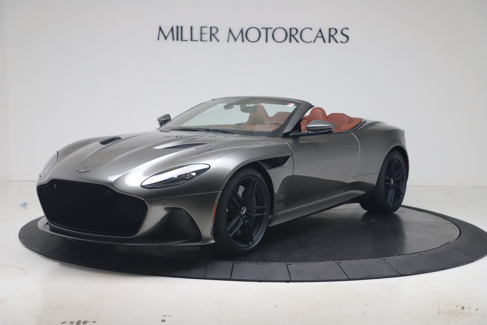 New 2020 Aston Martin DBS Superleggera Volante for sale $375,916 at Alfa Romeo of Greenwich in Greenwich CT 06830 1