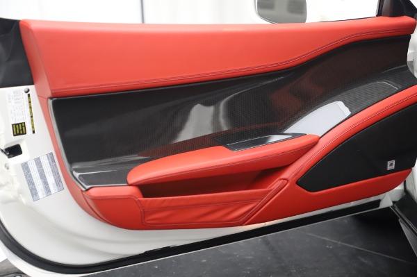 Used 2013 Ferrari 458 Italia for sale $229,900 at Alfa Romeo of Greenwich in Greenwich CT 06830 16