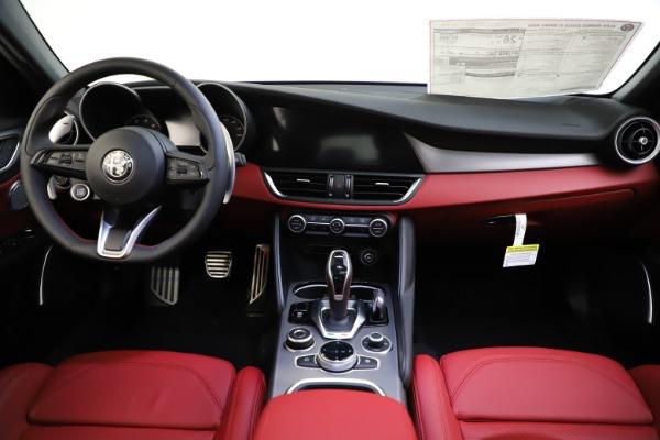 New 2020 Alfa Romeo Giulia Ti Sport Q4 for sale $51,495 at Alfa Romeo of Greenwich in Greenwich CT 06830 25