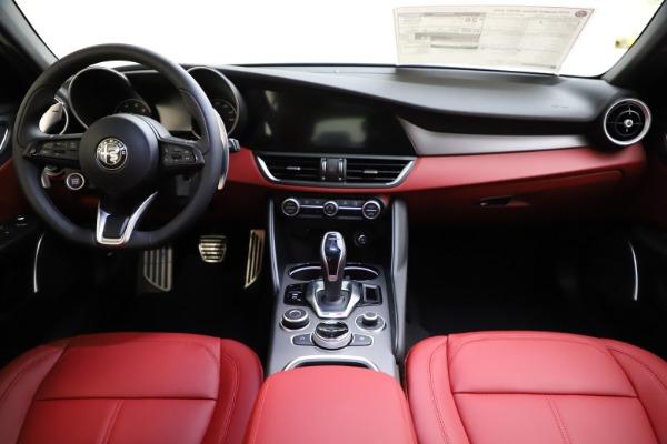 New 2020 Alfa Romeo Giulia Sport Q4 for sale Sold at Alfa Romeo of Greenwich in Greenwich CT 06830 16
