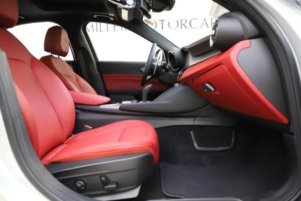 New 2020 Alfa Romeo Giulia Sport Q4 for sale Sold at Alfa Romeo of Greenwich in Greenwich CT 06830 22