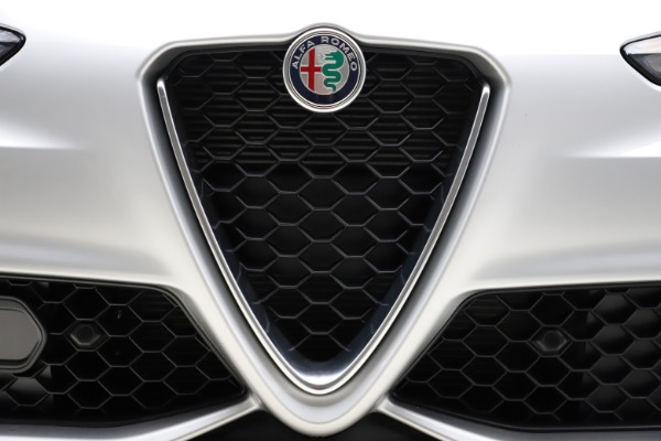 New 2020 Alfa Romeo Giulia Sport Q4 for sale Sold at Alfa Romeo of Greenwich in Greenwich CT 06830 27
