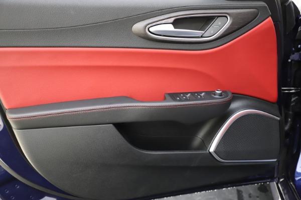 New 2020 Alfa Romeo Giulia Ti Q4 for sale $47,795 at Alfa Romeo of Greenwich in Greenwich CT 06830 17