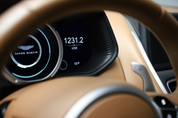 Used 2017 Aston Martin DB11 for sale $155,900 at Alfa Romeo of Greenwich in Greenwich CT 06830 25