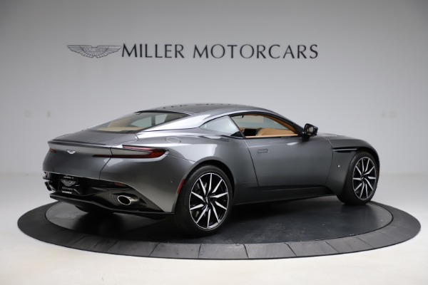 Used 2017 Aston Martin DB11 for sale $155,900 at Alfa Romeo of Greenwich in Greenwich CT 06830 7
