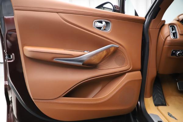 New 2021 Aston Martin DBX for sale $226,836 at Alfa Romeo of Greenwich in Greenwich CT 06830 16