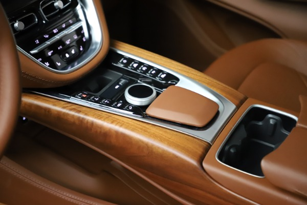 New 2021 Aston Martin DBX for sale $226,836 at Alfa Romeo of Greenwich in Greenwich CT 06830 18