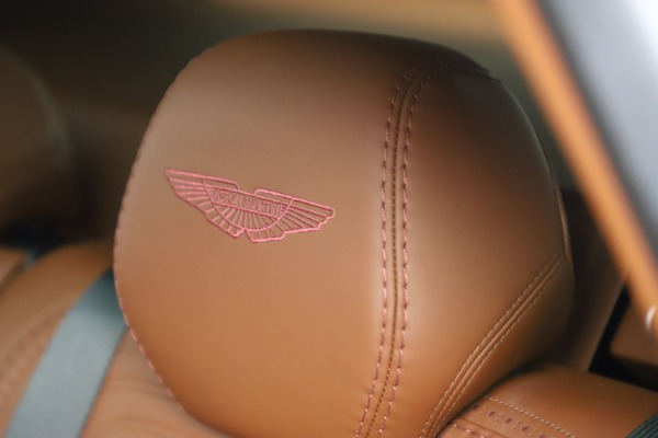 New 2021 Aston Martin DBX for sale $226,836 at Alfa Romeo of Greenwich in Greenwich CT 06830 21