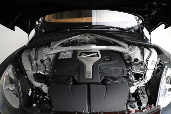 New 2021 Aston Martin DBX for sale $226,836 at Alfa Romeo of Greenwich in Greenwich CT 06830 26