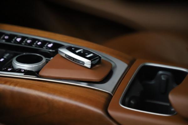 New 2021 Aston Martin DBX for sale $226,836 at Alfa Romeo of Greenwich in Greenwich CT 06830 27