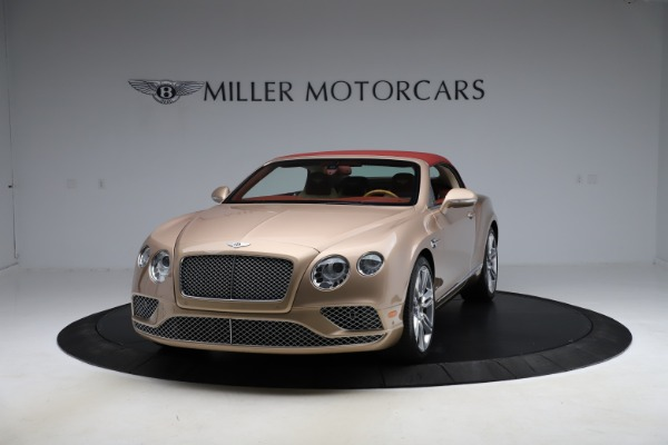 Used 2017 Bentley Continental GTC W12 for sale $165,900 at Alfa Romeo of Greenwich in Greenwich CT 06830 10