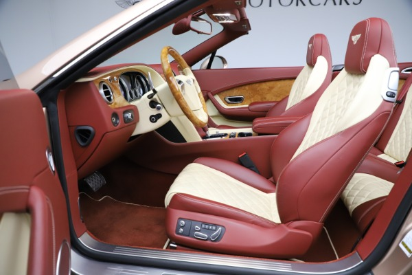Used 2017 Bentley Continental GTC W12 for sale $165,900 at Alfa Romeo of Greenwich in Greenwich CT 06830 28