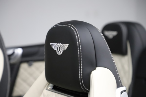 Used 2017 Bentley Continental GTC V8 S for sale $159,900 at Alfa Romeo of Greenwich in Greenwich CT 06830 27