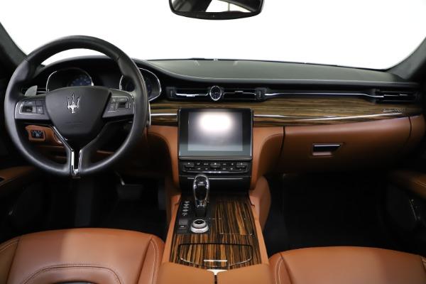 Used 2017 Maserati Quattroporte S Q4 GranLusso for sale $59,900 at Alfa Romeo of Greenwich in Greenwich CT 06830 16