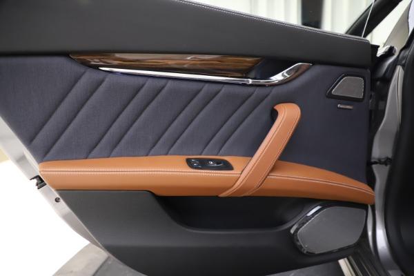 Used 2017 Maserati Quattroporte S Q4 GranLusso for sale $59,900 at Alfa Romeo of Greenwich in Greenwich CT 06830 21