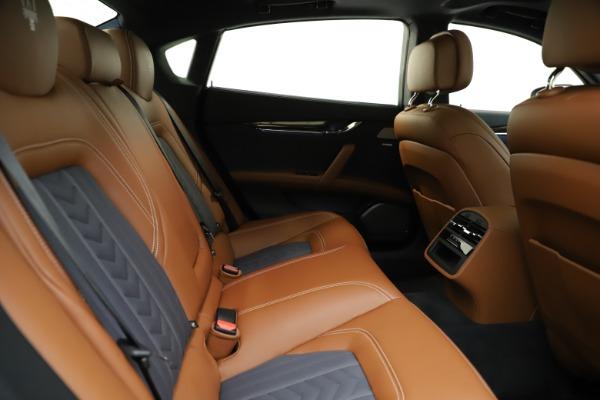 Used 2017 Maserati Quattroporte S Q4 GranLusso for sale $59,900 at Alfa Romeo of Greenwich in Greenwich CT 06830 27