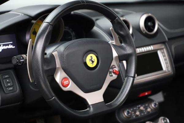 Used 2013 Ferrari California 30 for sale $103,900 at Alfa Romeo of Greenwich in Greenwich CT 06830 27