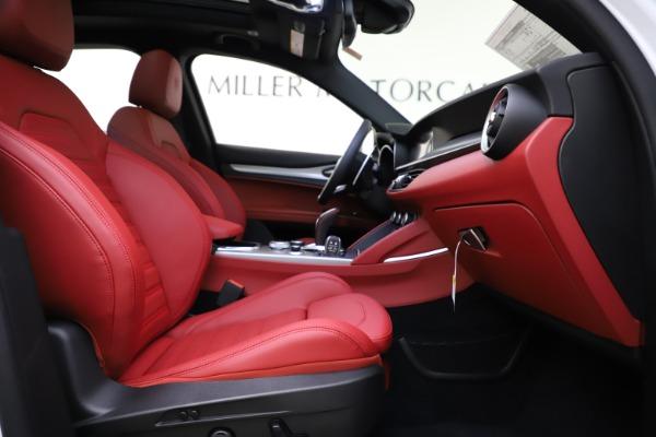 New 2020 Alfa Romeo Stelvio Ti Sport Q4 for sale Sold at Alfa Romeo of Greenwich in Greenwich CT 06830 22