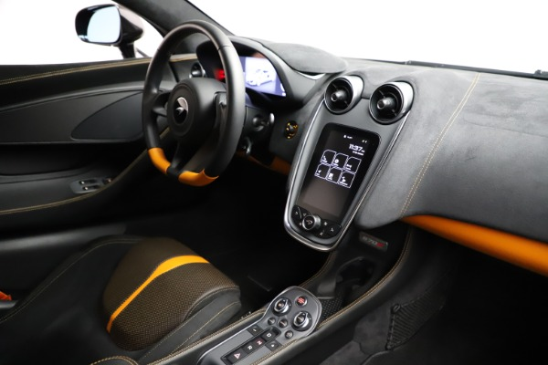 Used 2019 McLaren 570S for sale $177,900 at Alfa Romeo of Greenwich in Greenwich CT 06830 22