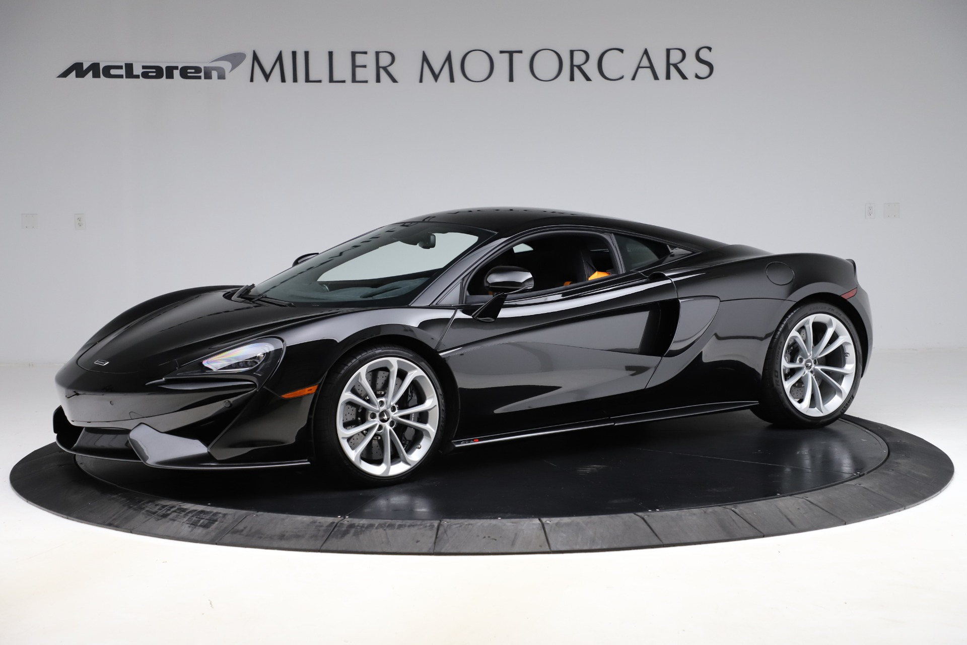 Used 2019 McLaren 570S for sale $177,900 at Alfa Romeo of Greenwich in Greenwich CT 06830 1